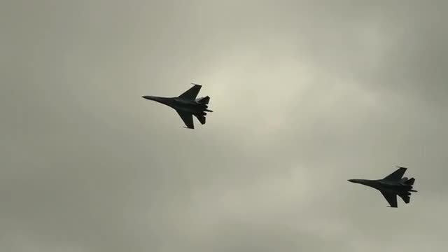 Two Supersonic Fighter Jet: Stock Video