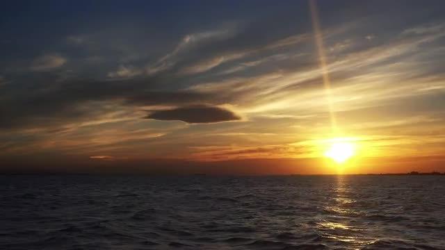 Ocean Sunset: Stock Video
