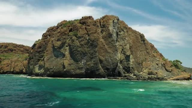 Sailing Beside Tropical Island: Stock Video