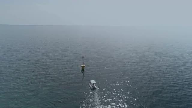 Small Boat: Stock Video