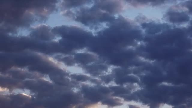 Patchy Dark Clouds: Stock Video