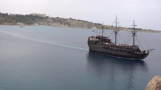 Pirate Travel Ship: Stock Video