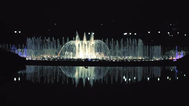 Night Fountain Show: Stock Video
