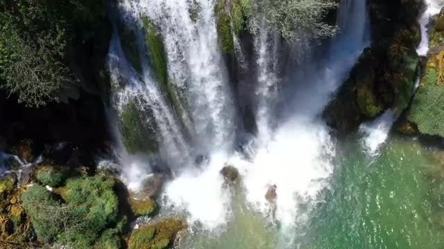 Kravica Waterfall: Stock Video