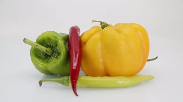 Peppers: Stock Video