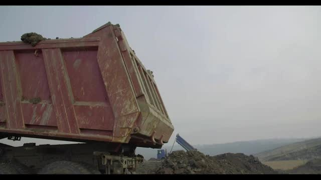 Unloading Dirt: Stock Video