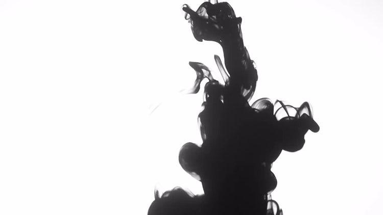 Black Ink in Water: Stock Video