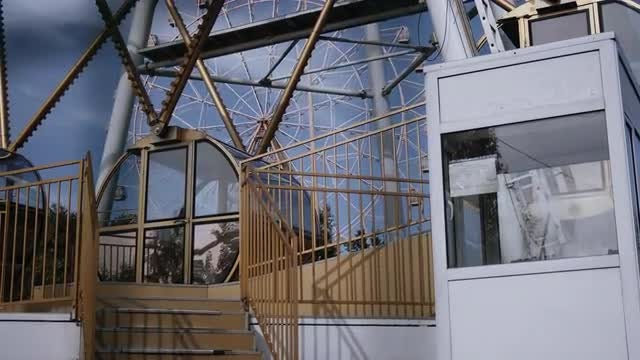 Ferris Wheel Cabin: Stock Video