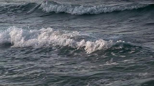 Sea Waves Breaking: Stock Video