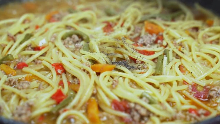 Cooking Vegetable Spaghetti: Stock Video