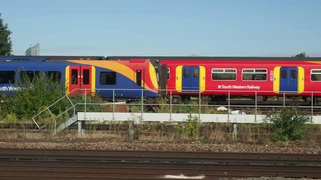 British South Western Train: Stock Video