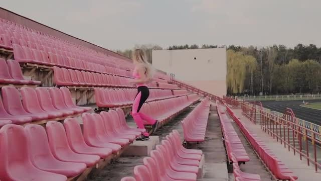 Woman Is Training On The Stairs: Stock Video
