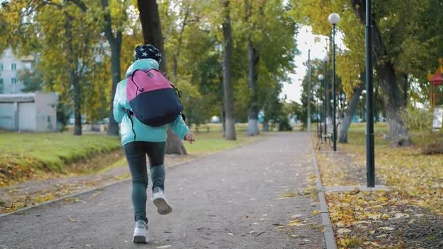 Running Schoolgirl: Stock Video