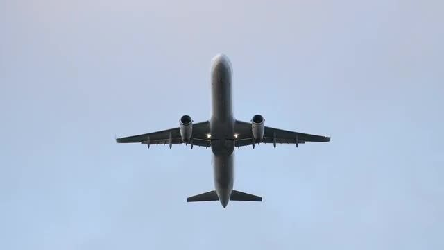 Airplane: Stock Video