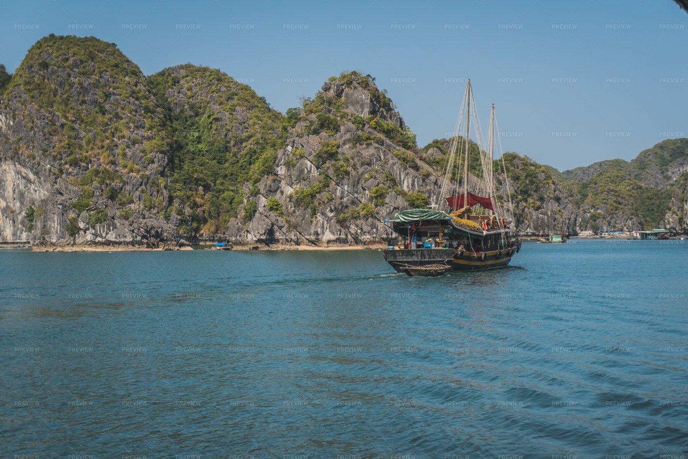 Junk Boat Tour In Ha Long Bay: Stock Photos