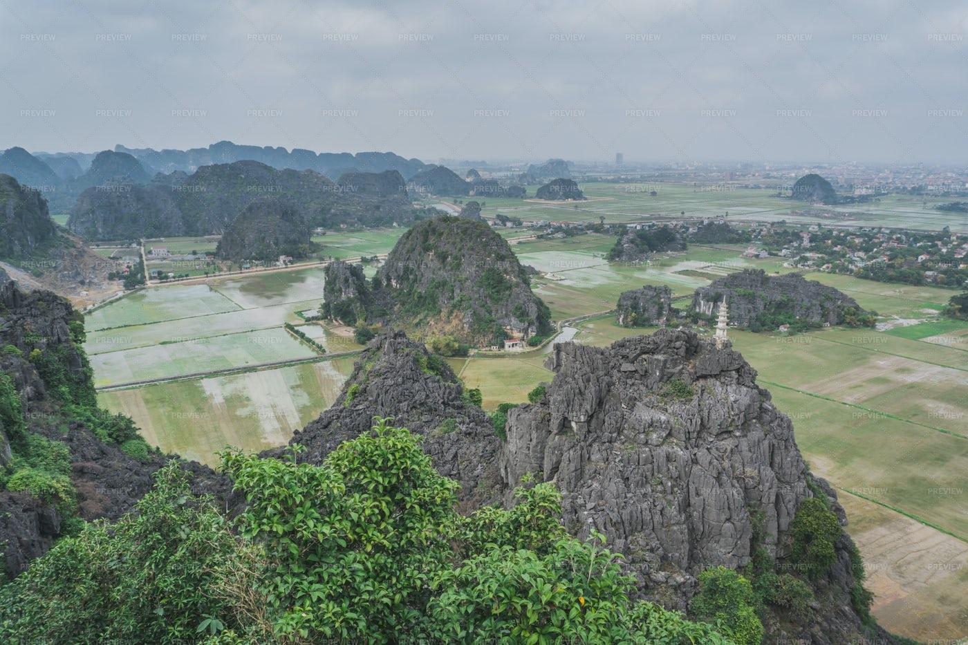Mua Caves Landscape In Ninh Binh: Stock Photos