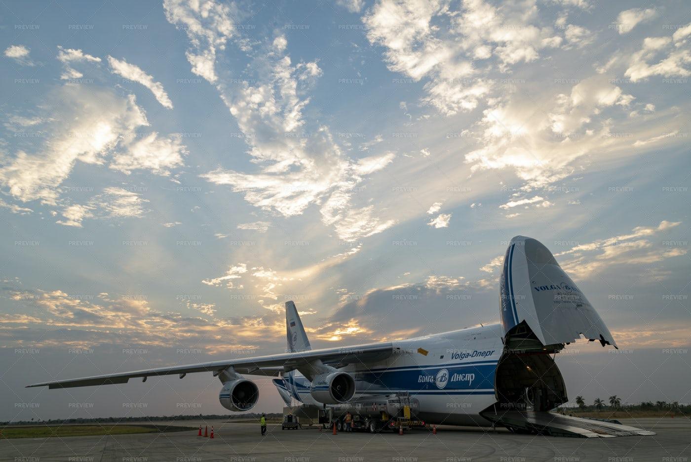 Antonov Plane Offloading: Stock Photos