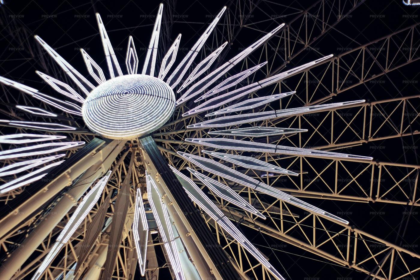 Ferris Wheel With Night Lights: Stock Photos