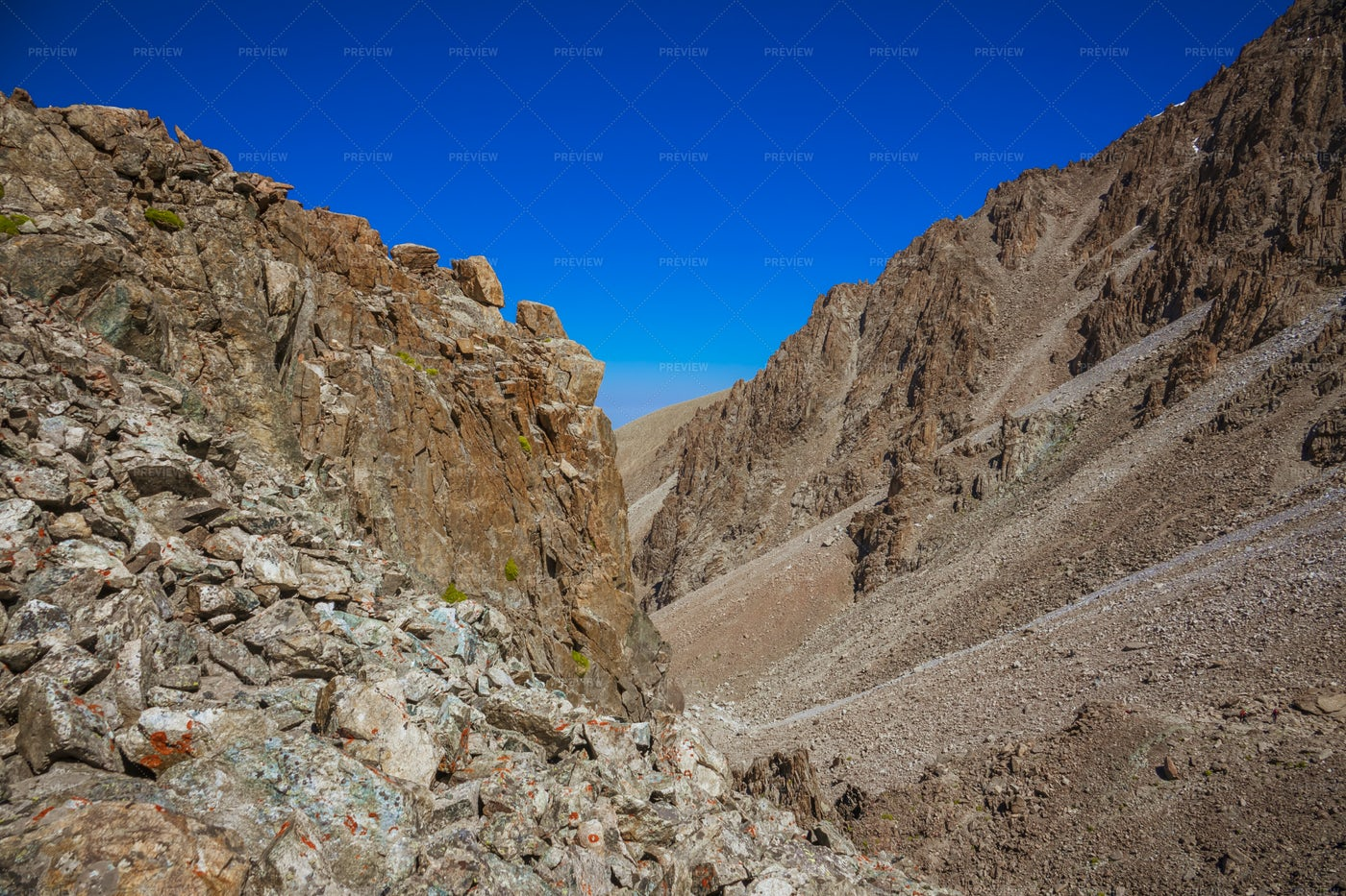 Rocky And Dry Mountains: Stock Photos