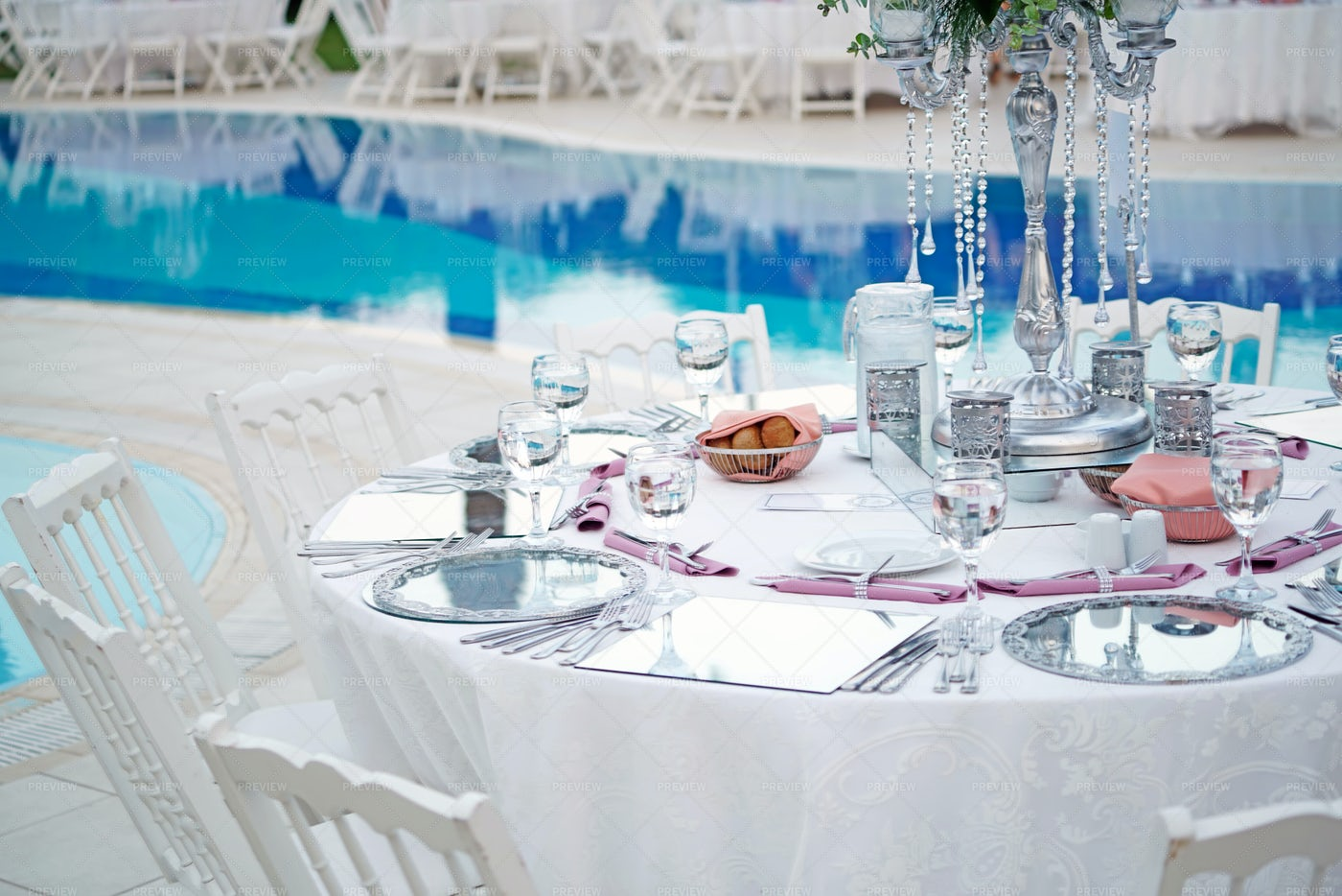 Poolside Wedding Table: Stock Photos
