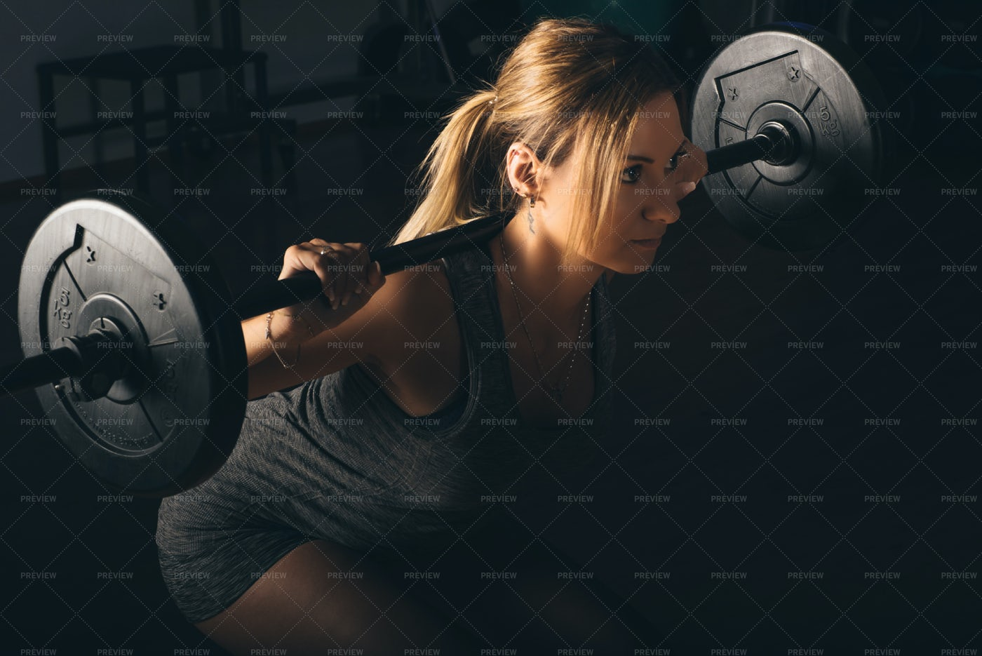 Woman Lifting Weights: Stock Photos