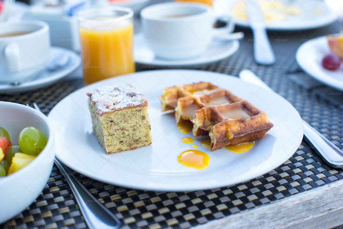 Sweet Breakfast: Stock Photos