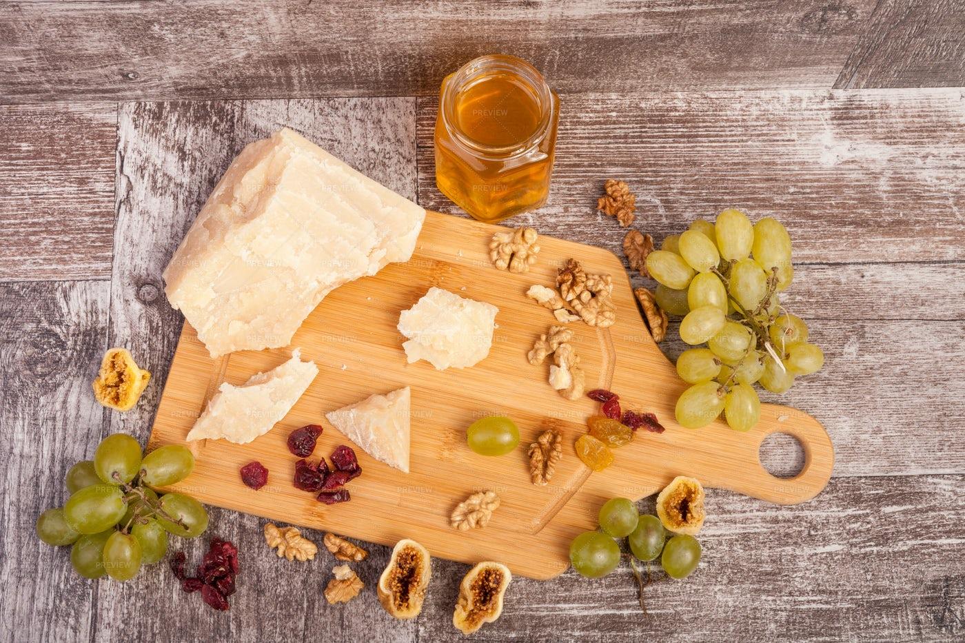 Cheese Plate: Stock Photos