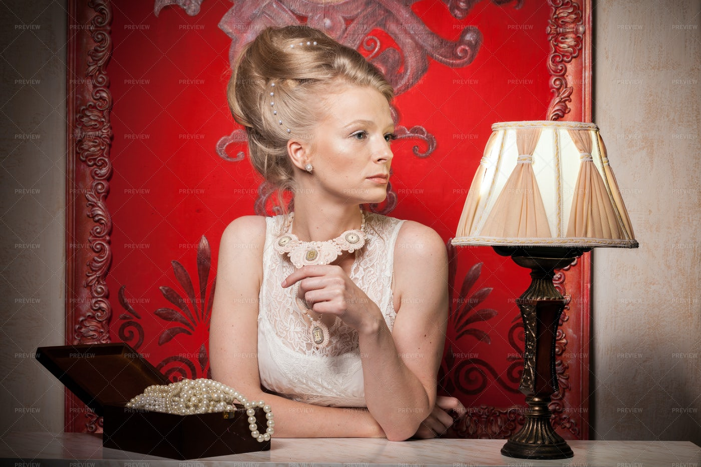 Historical Fashion Hairstyle: Stock Photos