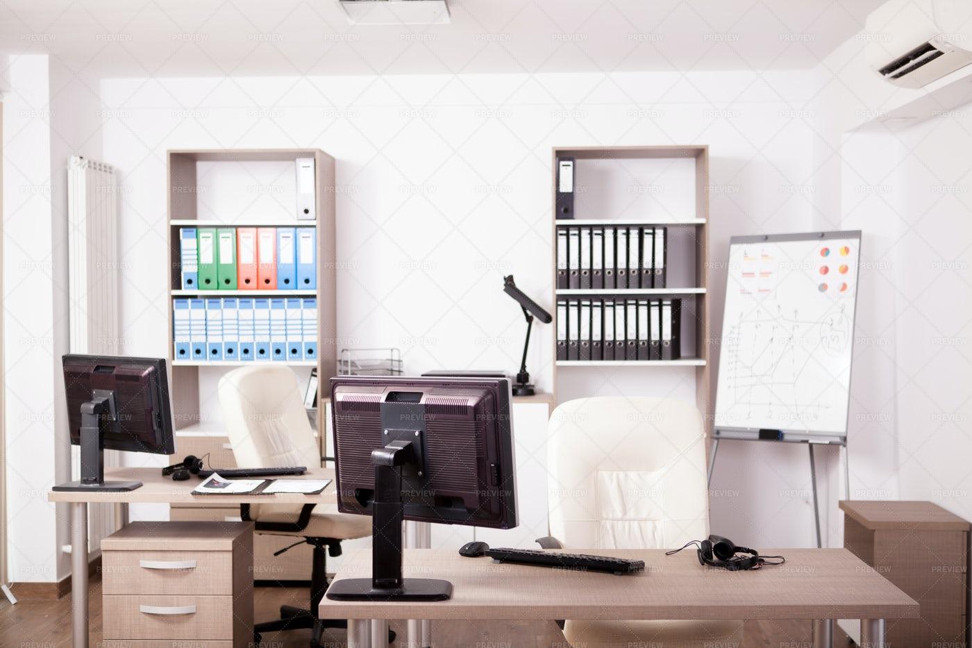 Modern Empty Office Interior: Stock Photos