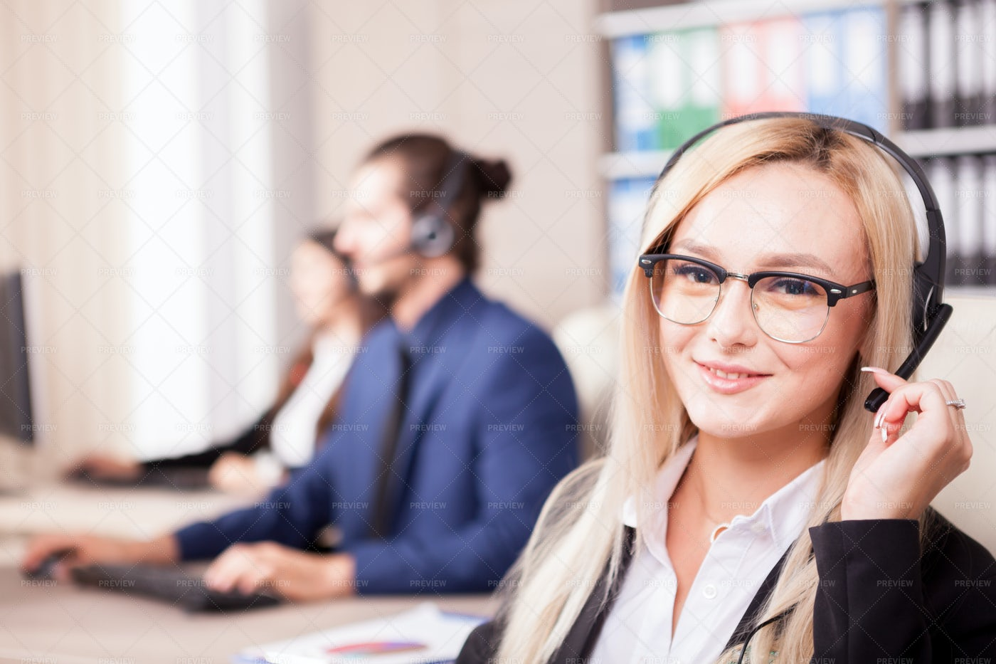 Customer Support Girl: Stock Photos