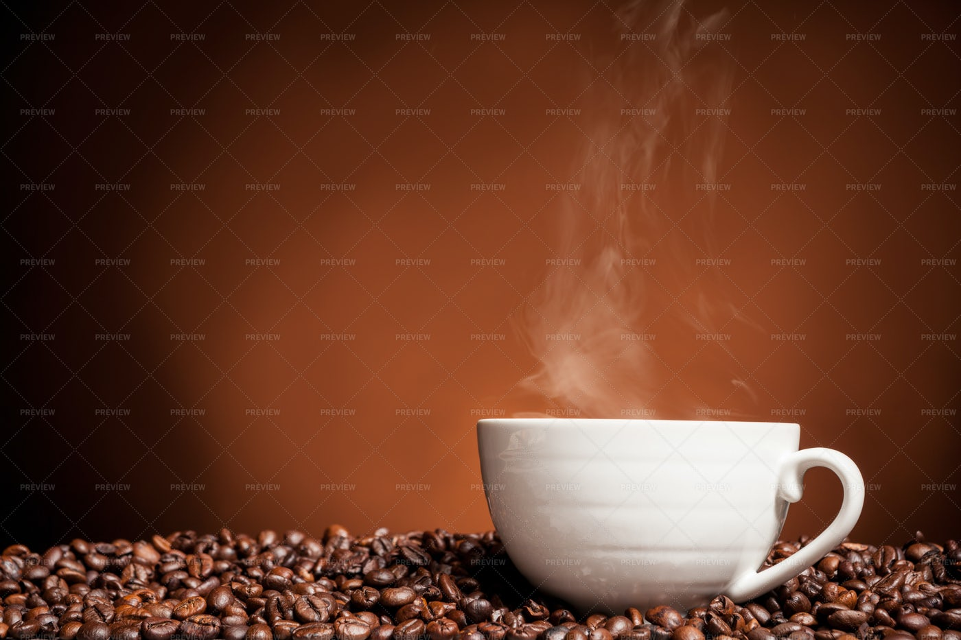 Hot coffee and beans: Stock Photos