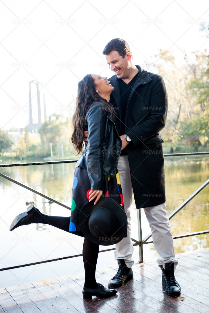 Love In The Park: Stock Photos