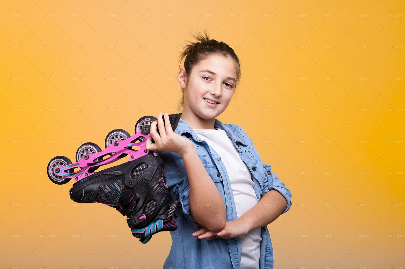 Girl With A Roller Skate: Stock Photos