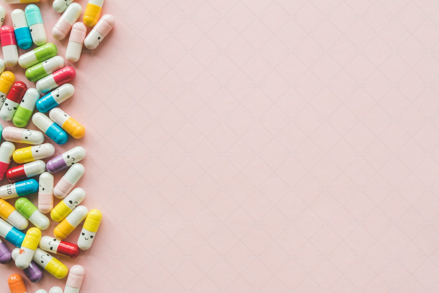 Colored Capsules: Stock Photos
