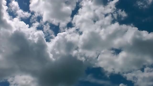 Clouds 30: Stock Video