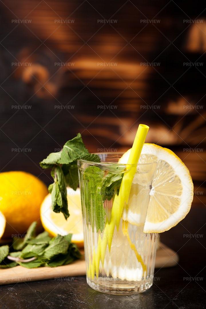 Natural Organic Lemonade: Stock Photos