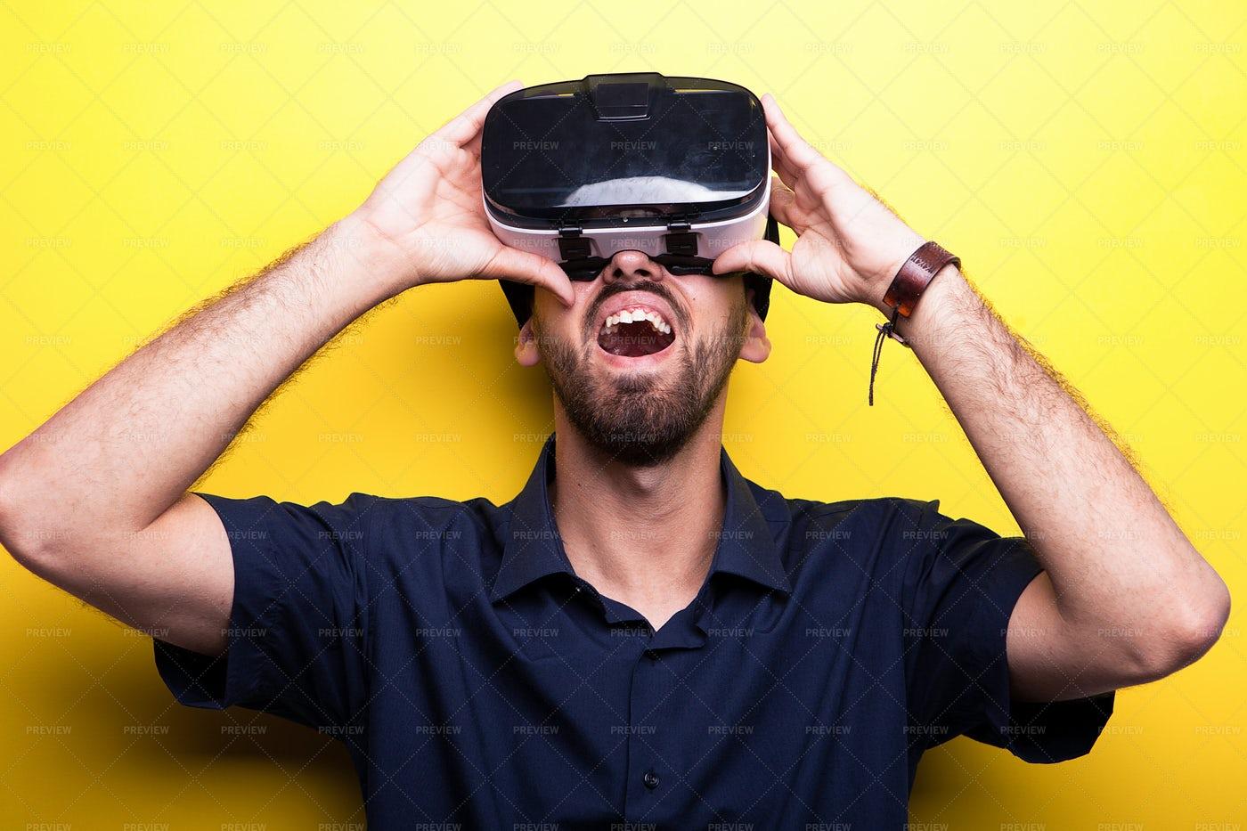 Virtual Reality: Stock Photos