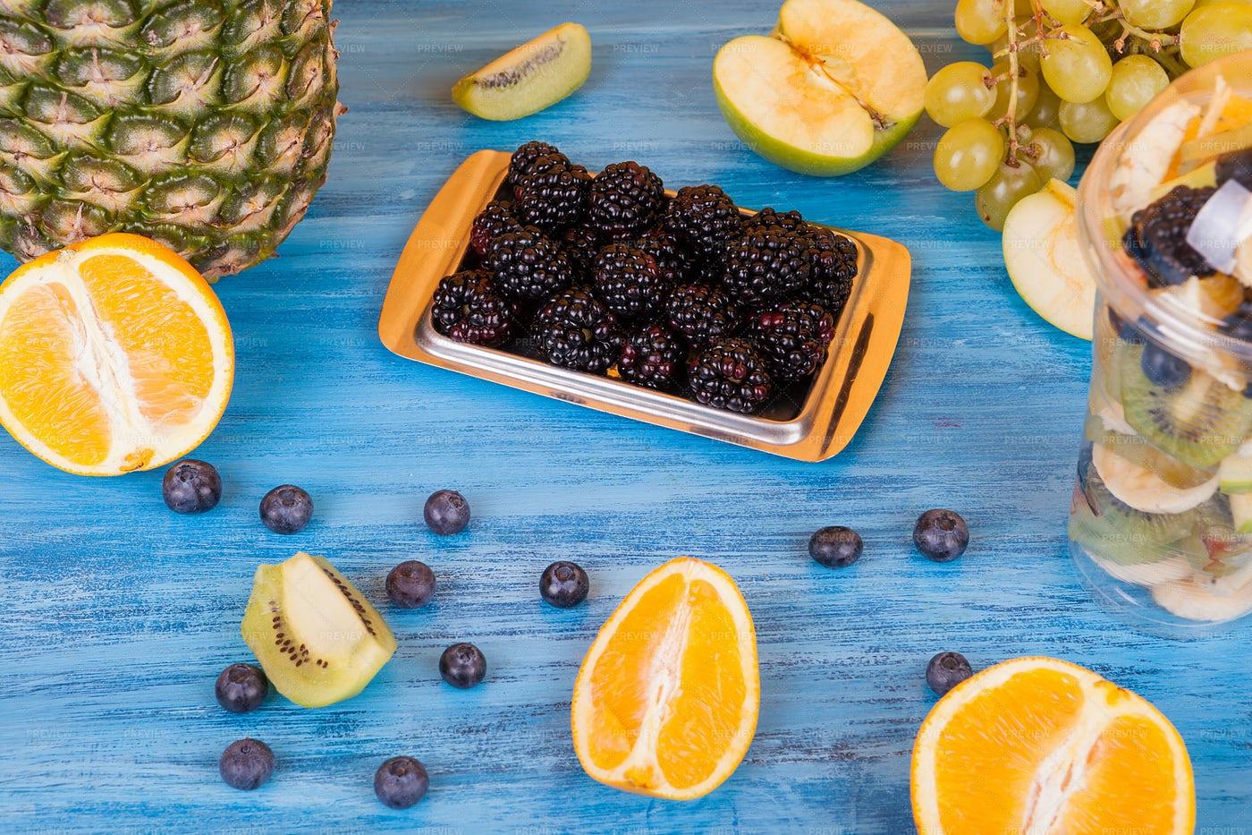 Fresh Fruits: Stock Photos