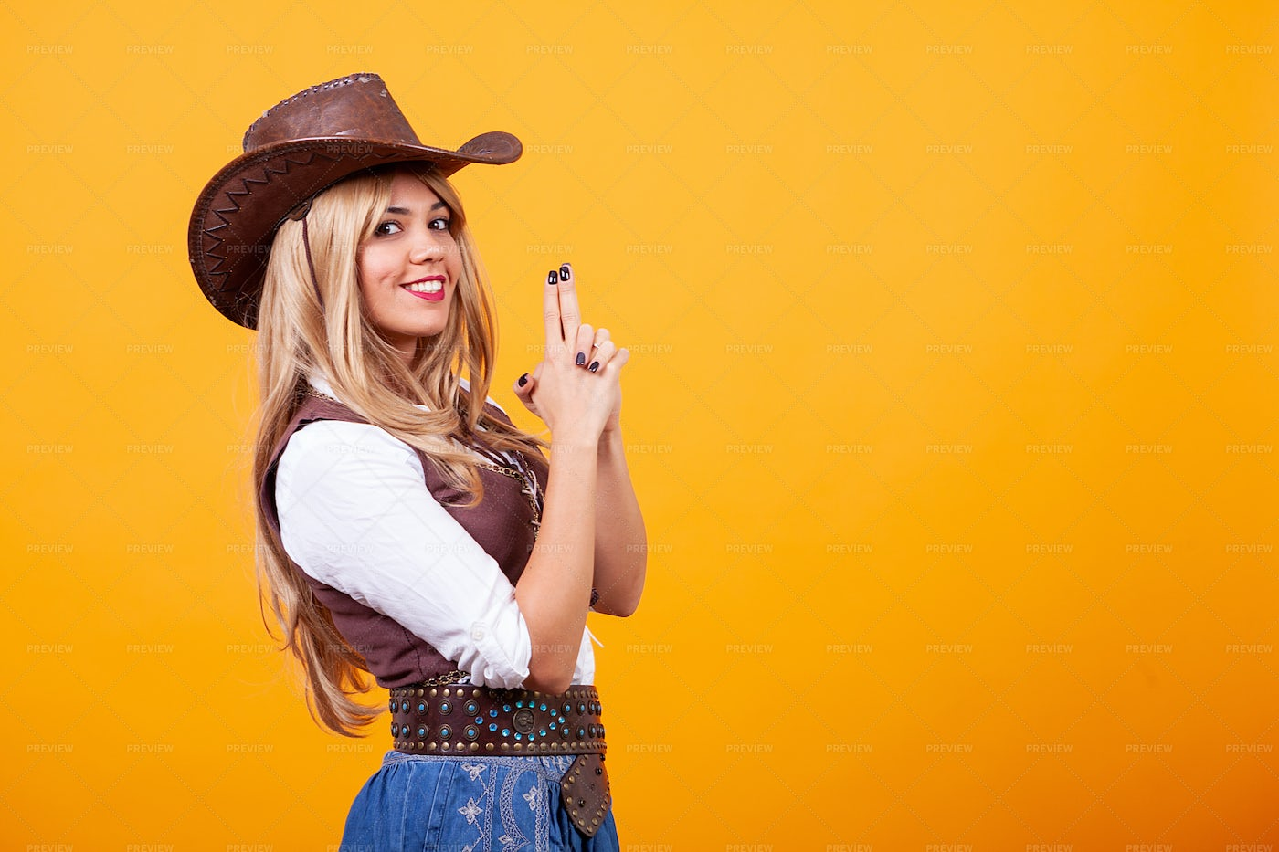 Blonde Cowgirl: Stock Photos