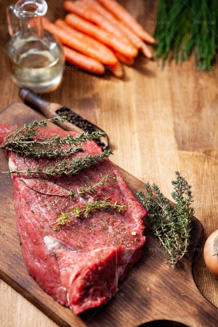 Seasoned Beef Steak: Stock Photos