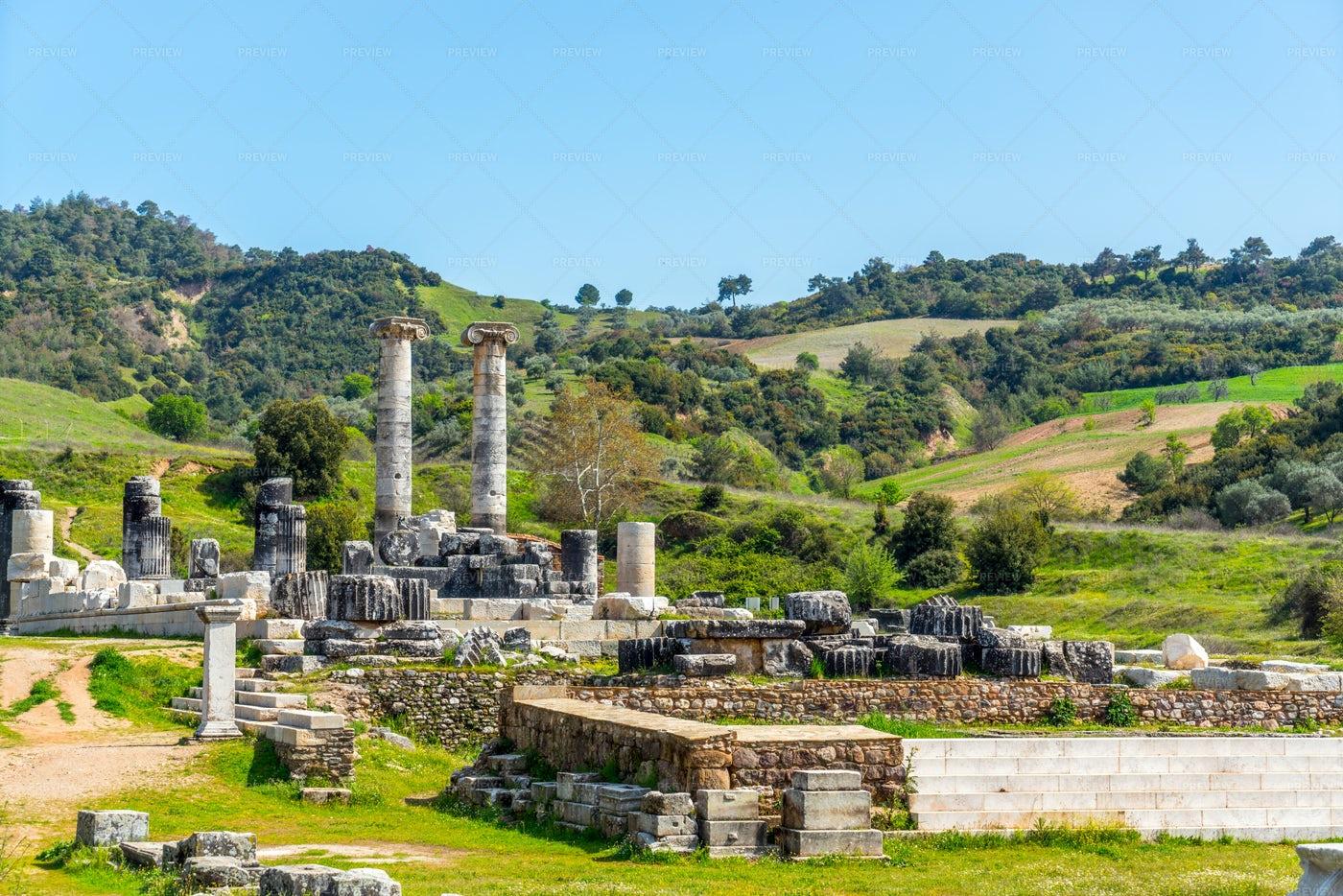 Sardes Artemis Temple: Stock Photos