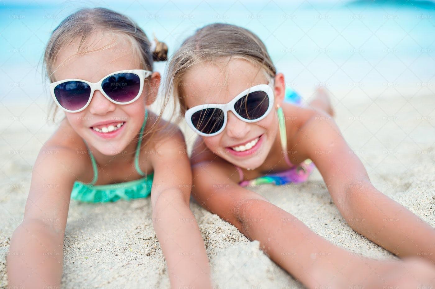 Best Friend Beach Day: Stock Photos