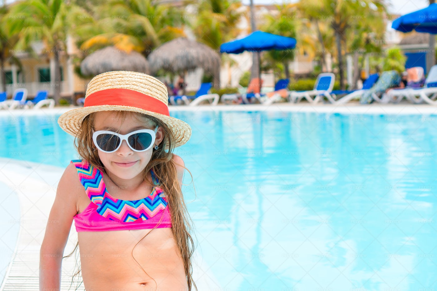 Child Beside The Pool: Stock Photos