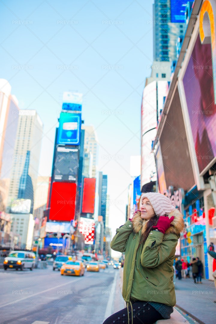 Woman In Times Square: Stock Photos