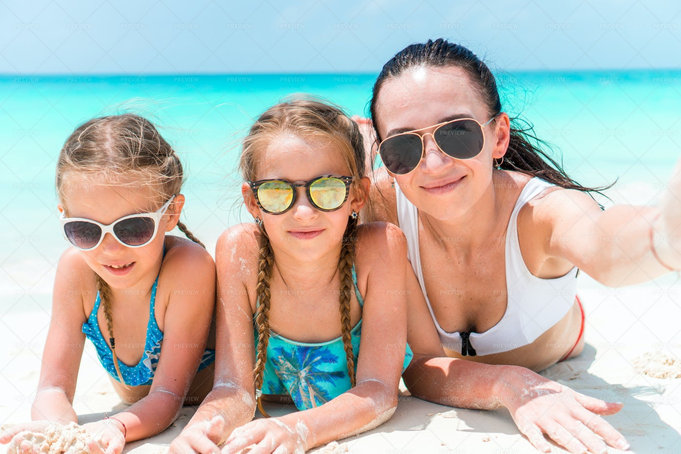 Family Beach Selfie: Stock Photos