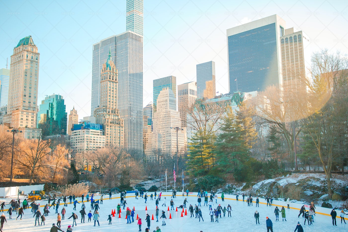 Ice Skaters In New York: Stock Photos