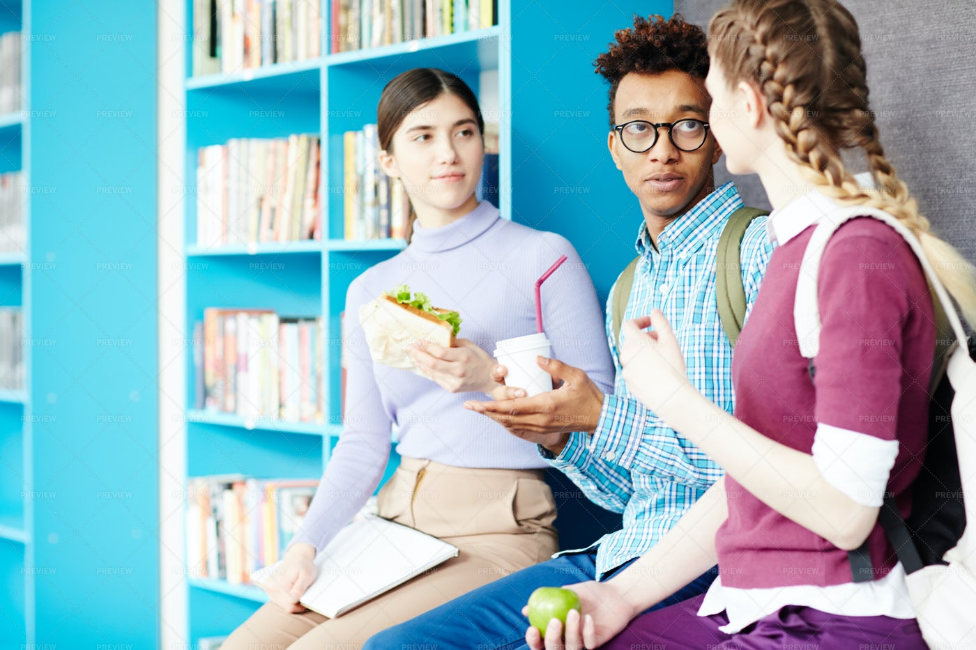 Students Having Lunch: Stock Photos
