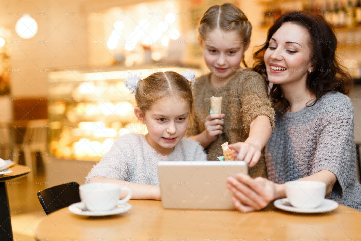 Wi-fi In Cafe: Stock Photos