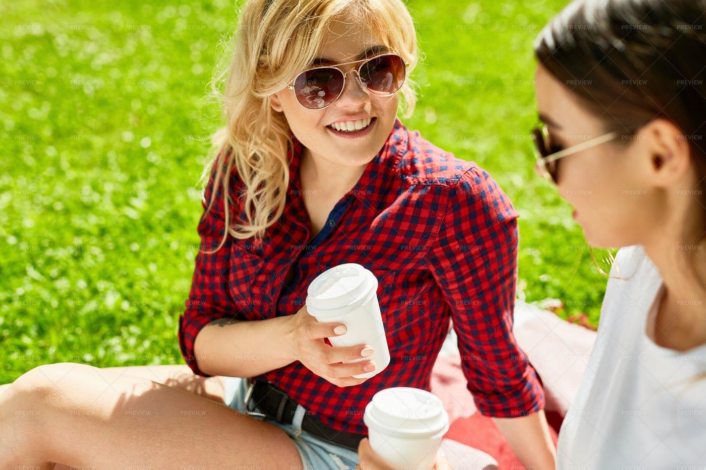 Girls At Leisure: Stock Photos