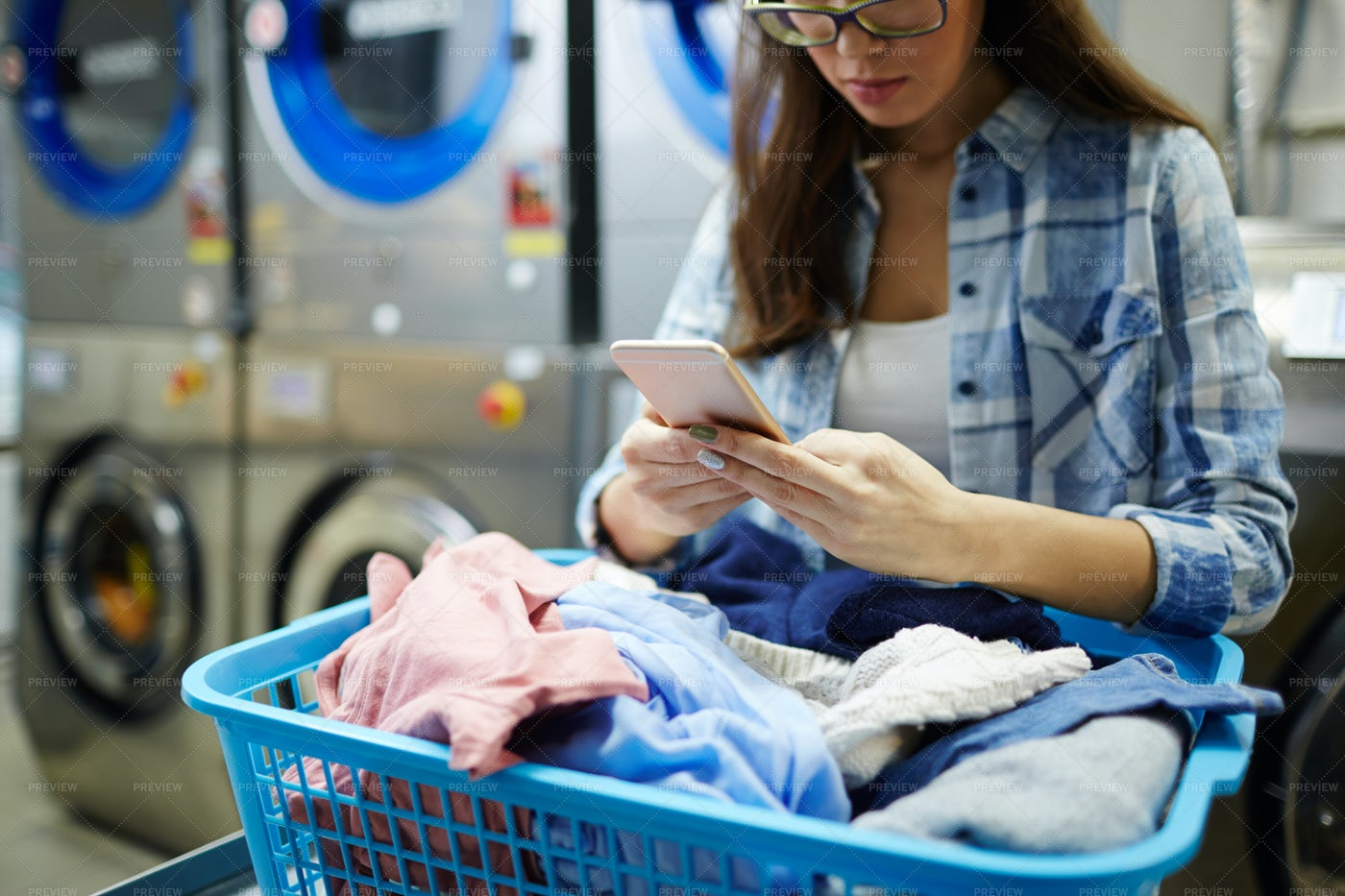 Messaging In Laundry: Stock Photos
